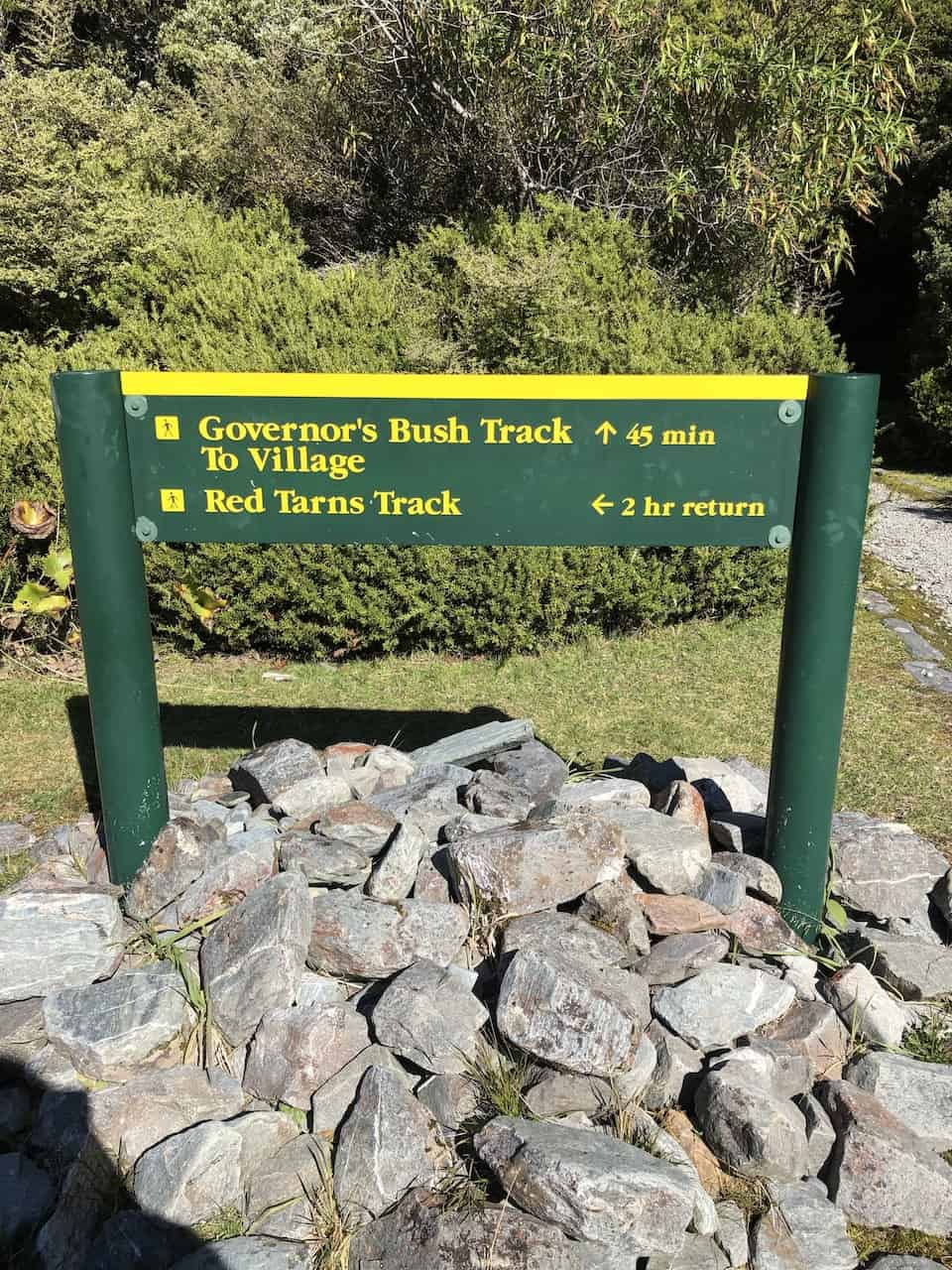 Red Tarns Track Sign