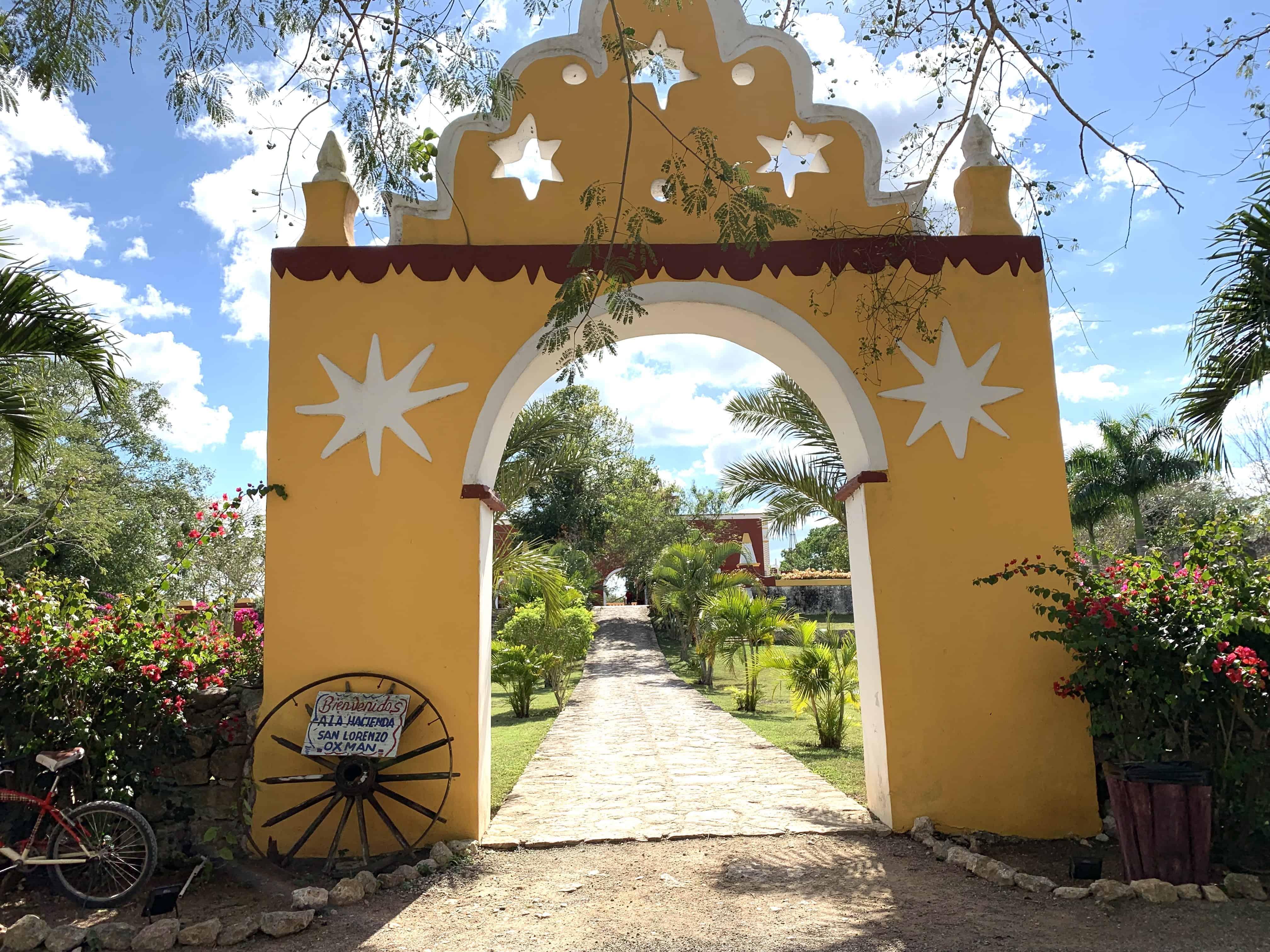 San Lorenzo Oxman Entrance