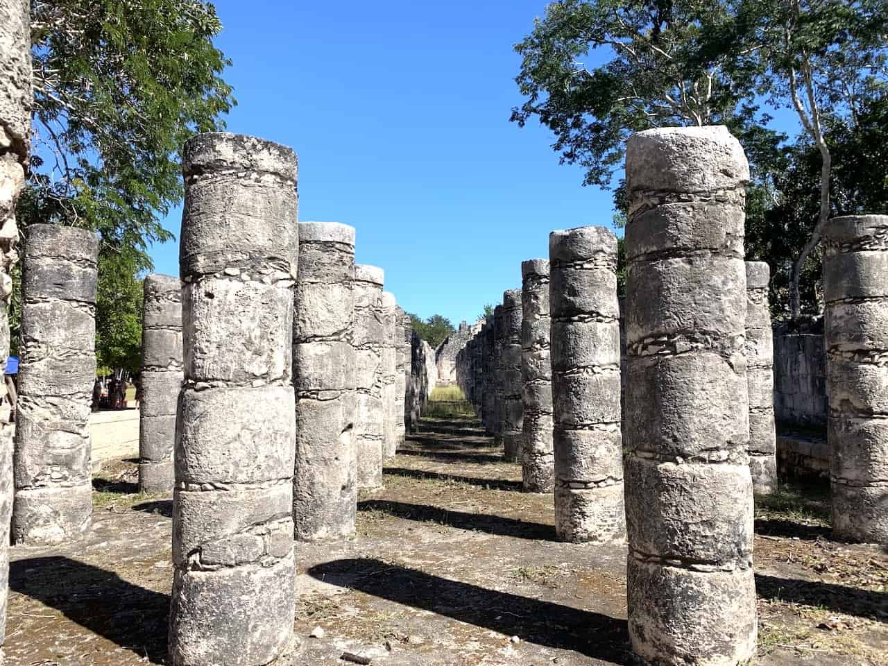 Square of the 1,000 Columns