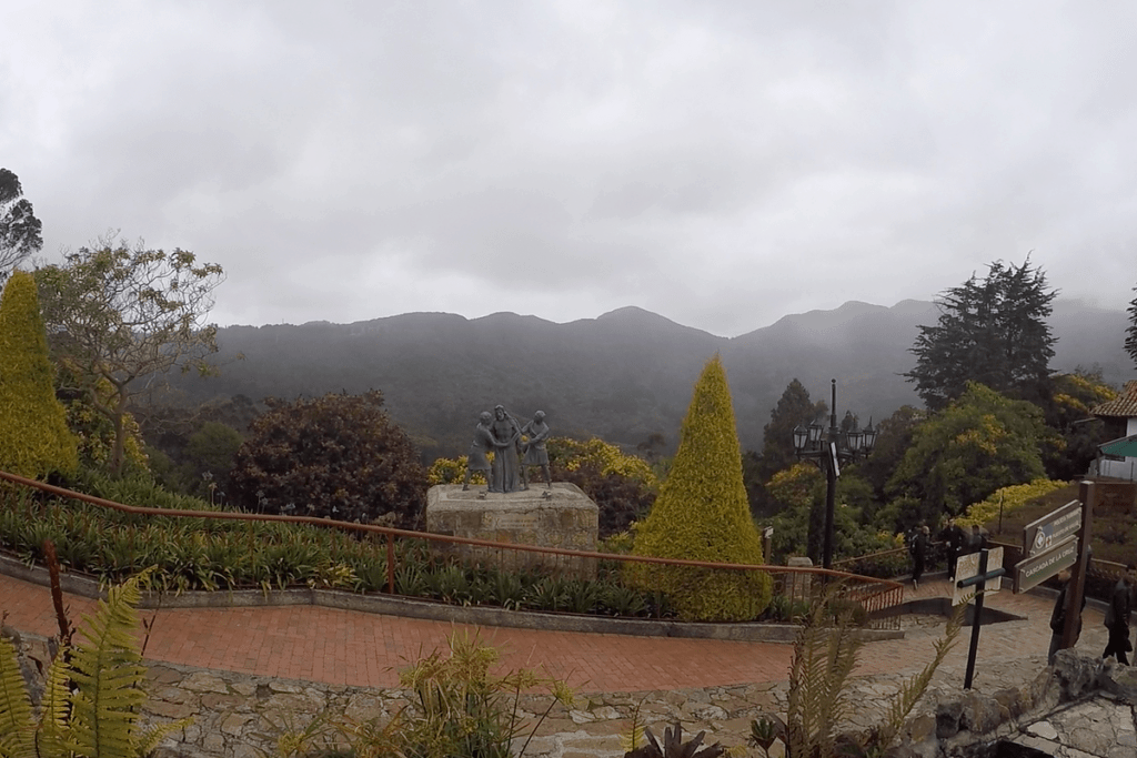 Monserrate Nature