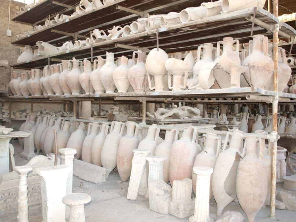 Pompeii Pottery