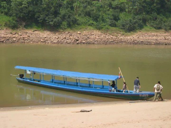 Refugio Amazonas Boat