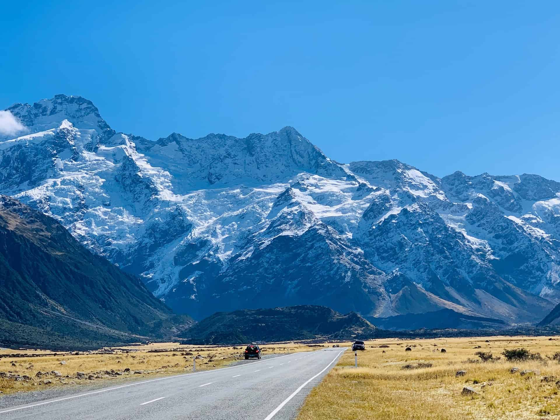 A Complete Guide to Driving In New Zealand