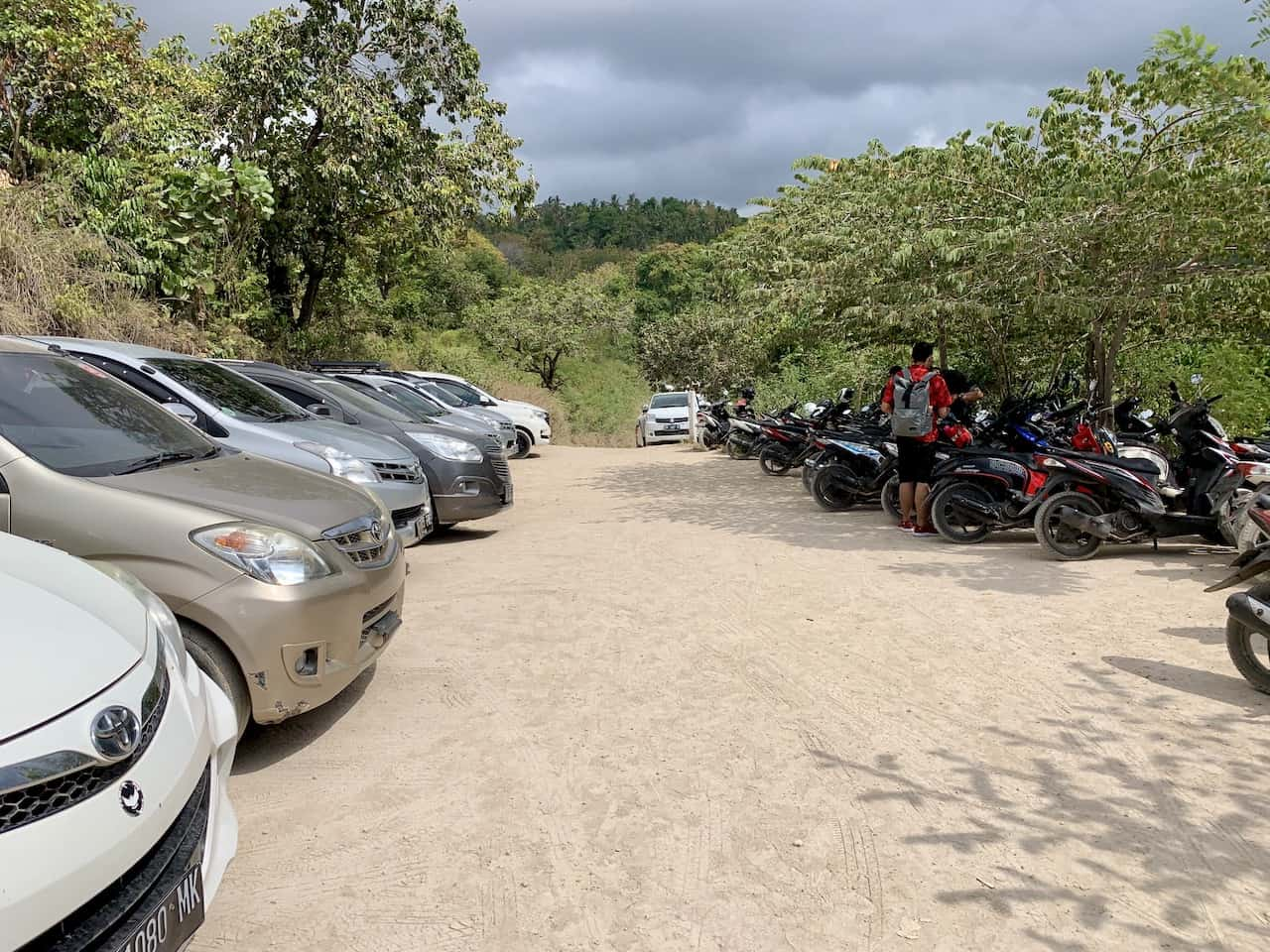 Diamoand and Atuh Beach Parking