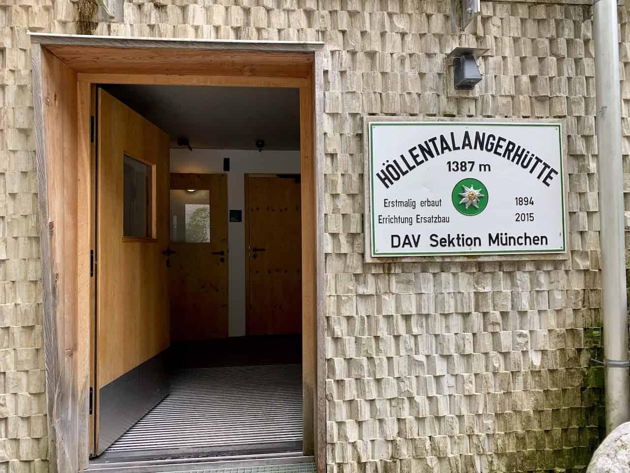Höllentalangerhütte Entrance