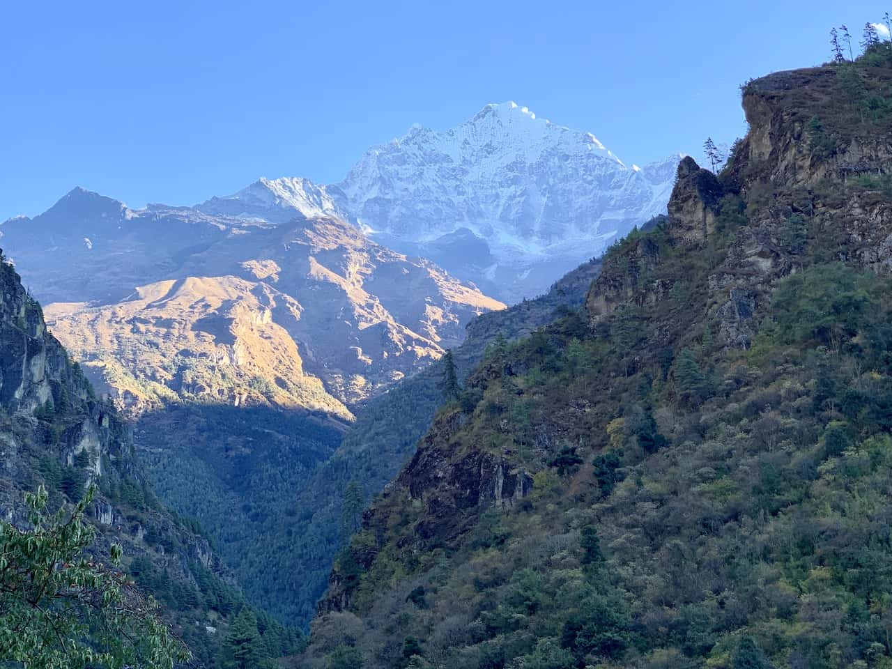 Phakding to Namche Bazaar Mountain Range