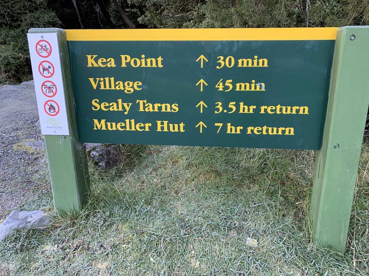 Sealy Tarns Track Start