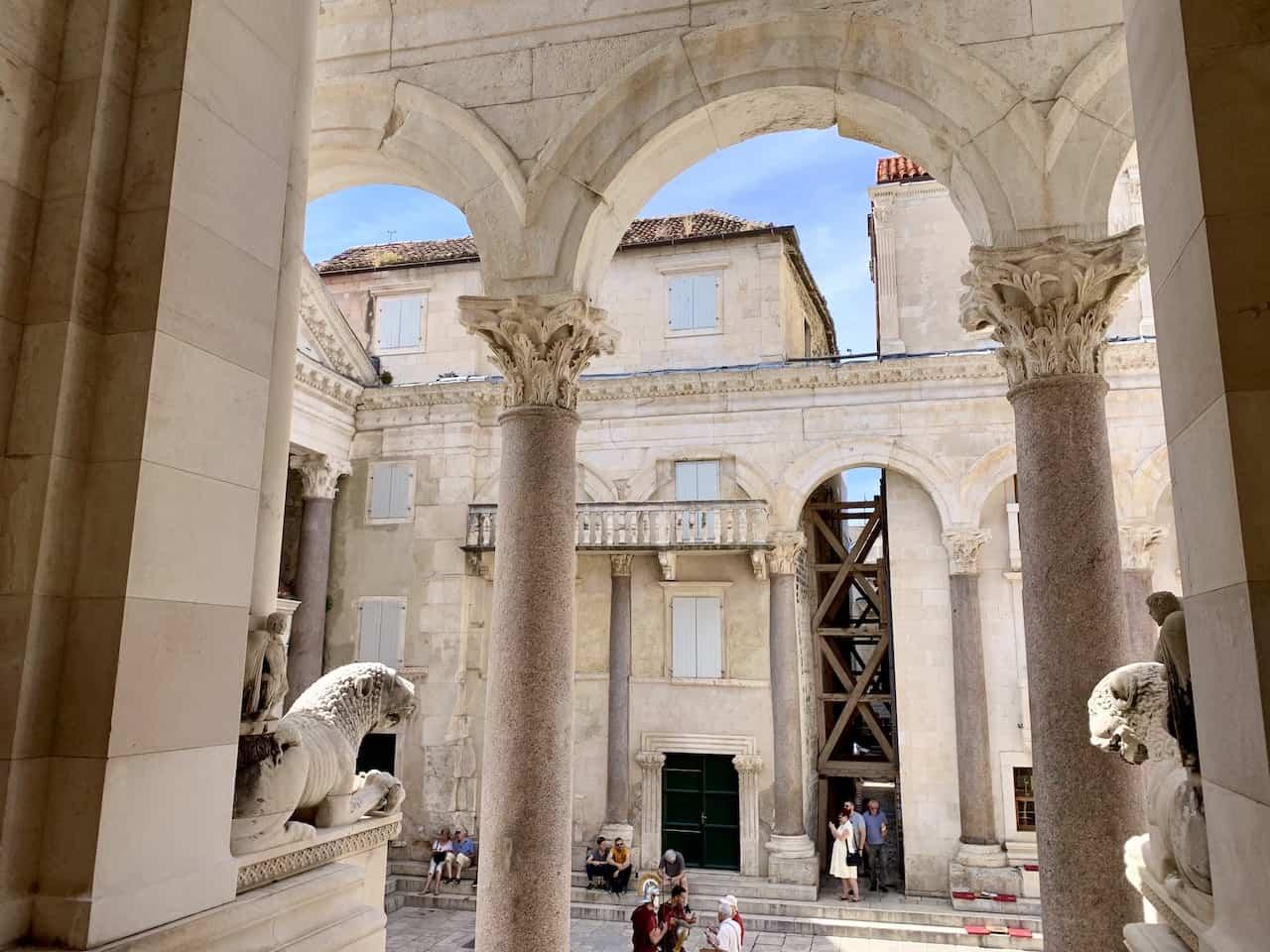 The Peristyle Split