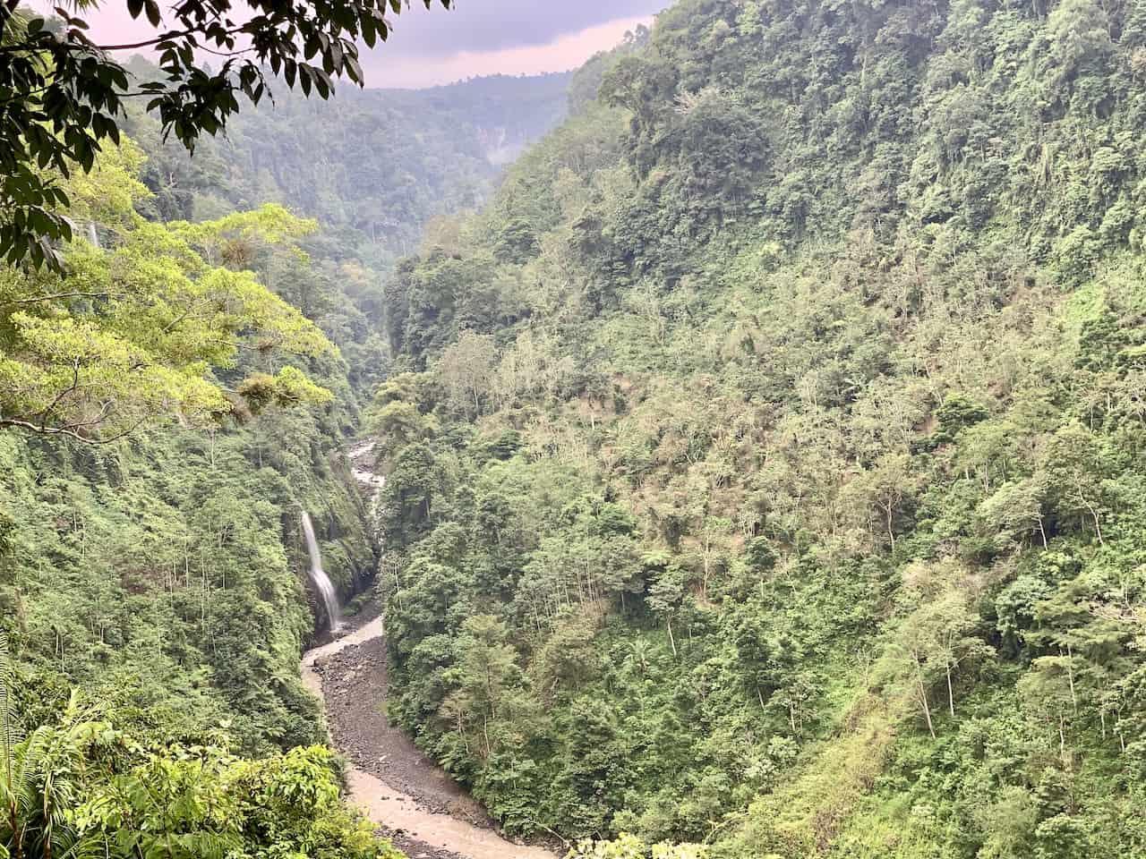 Kabut Pelangi Valley