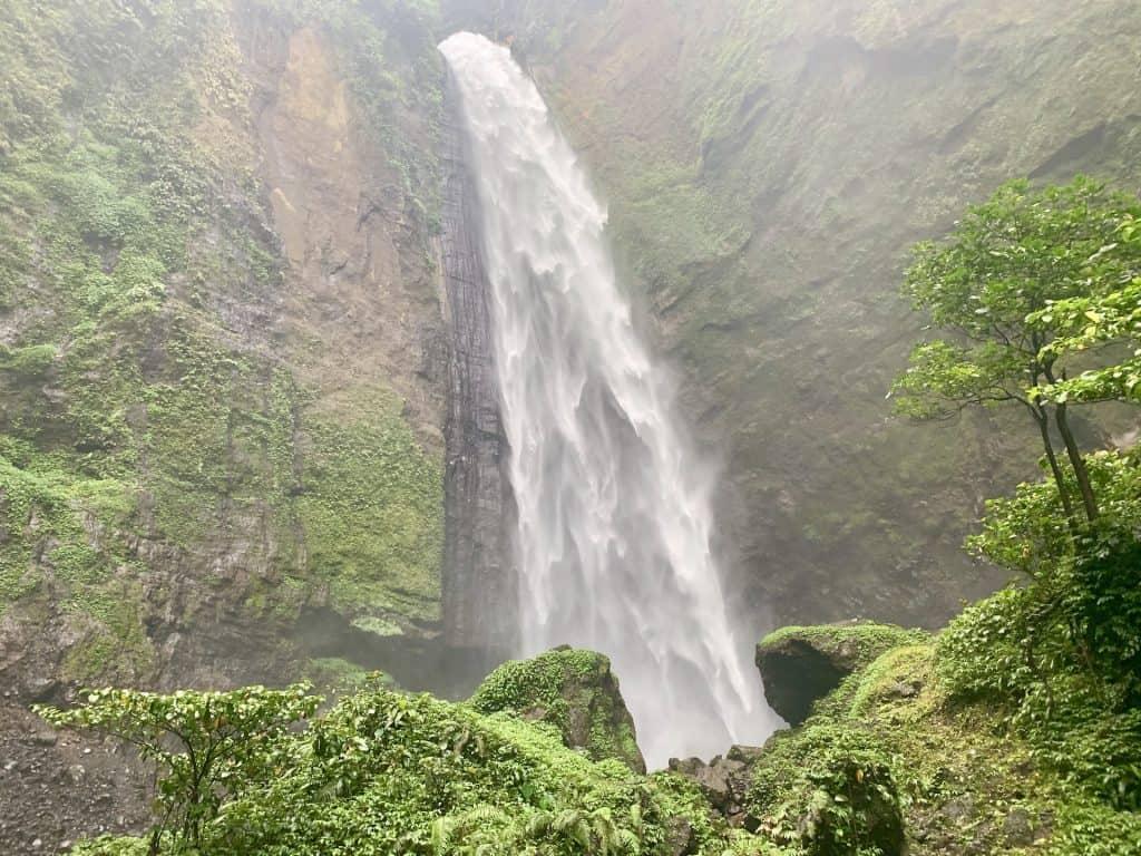 Kabut Pelangi Waterfall